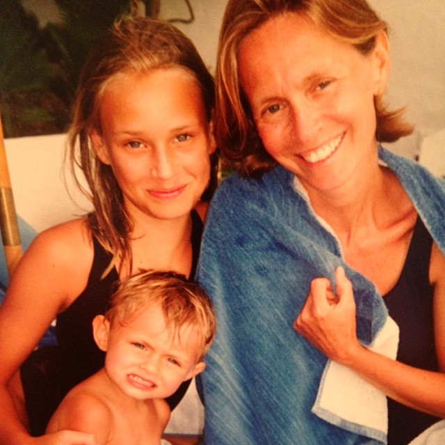 Happy mother's day @lindavwright to the best mother anybody could have. Love you.❤️ @therschlikowicz