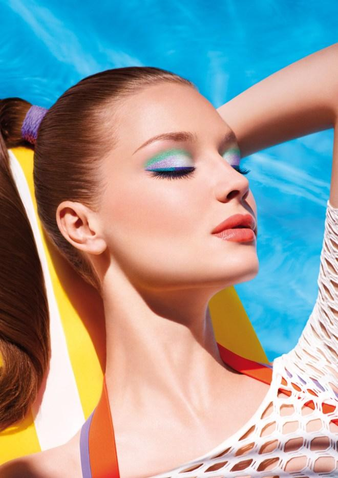 splash-into-summer-with-make-up-for-ever-aqua-L-tjIxXM