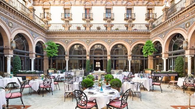 --Bodas.-Patio.-Hotel-Alfonso-XIII--Sevilla