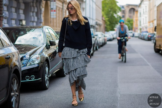 Camille-Charriere-by-STYLEDUMONDE-Street-Style-Fashion-Photography0E2A2001-700x467@2x